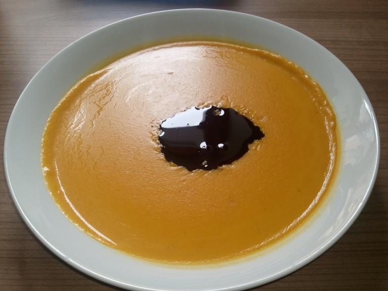 Kurbiscremesuppe verfeinert mit steirischem kernol die for Studenten küche